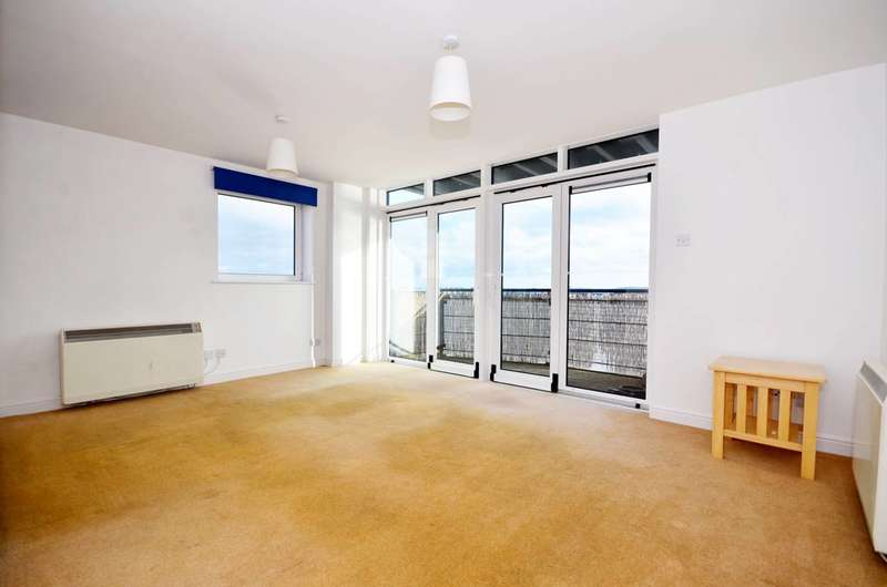 2 Bedrooms Flat for sale in Inverness Mews, Gallions Reach, E16