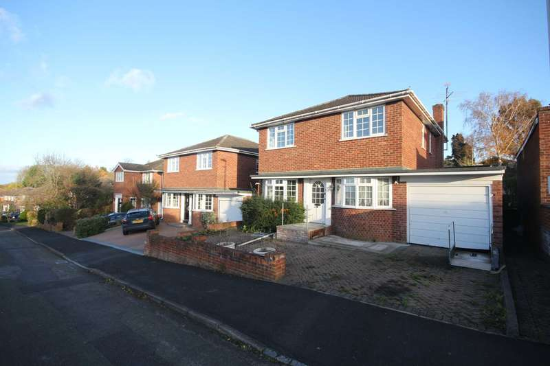 4 Bedrooms Detached House for sale in Lynwood Chase, Bracknell