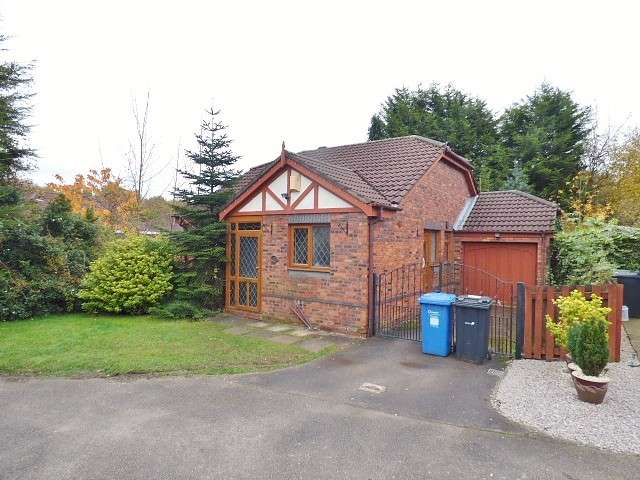 2 Bedrooms Detached Bungalow for sale in Grant Close, Old Hall, Warrington