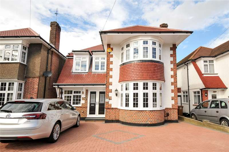 4 Bedrooms Detached House for sale in Chester Drive, Harrow, HA2