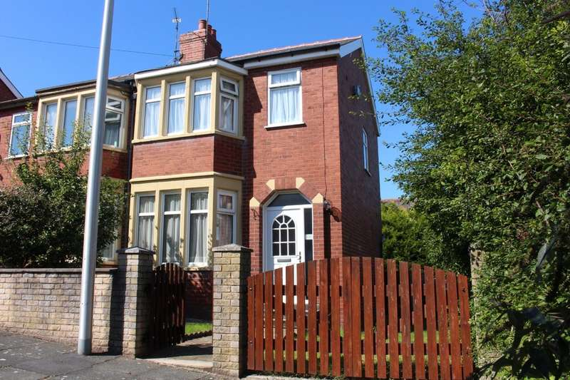 3 Bedrooms Semi Detached House for sale in Fordway Avenue, Blackpool