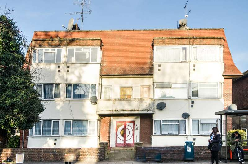 2 Bedrooms Flat for sale in Tanfield Avenue, Dollis Hill, NW2