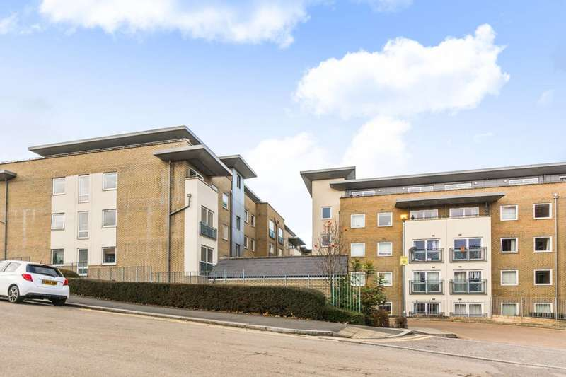2 Bedrooms Flat for sale in Bounds Green, Bounds Green, N11
