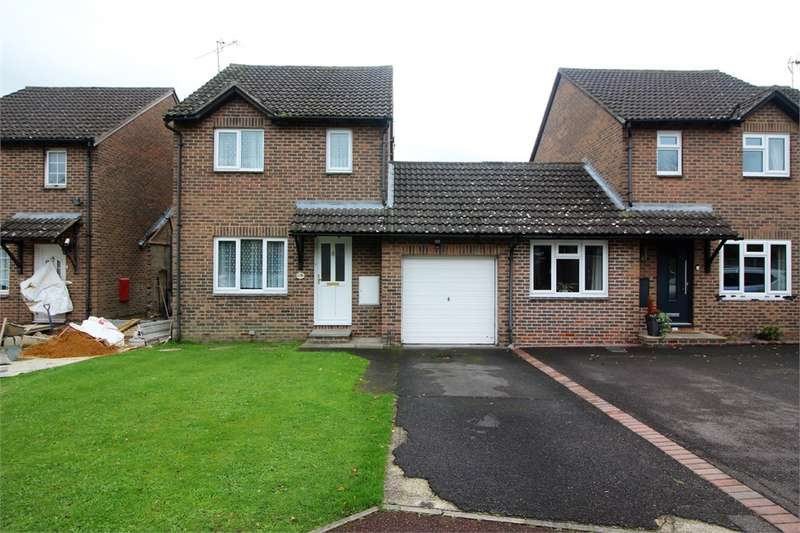 3 Bedrooms Detached House for sale in Rushmoor Gardens, Calcot, READING, Berkshire