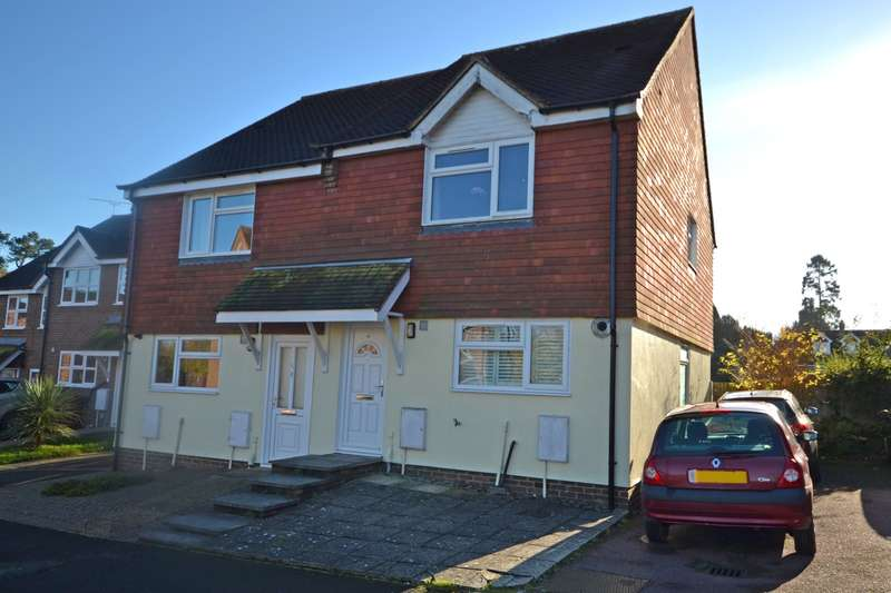 2 Bedrooms House for sale in Northend Close, Petworth, West Sussex, GU28