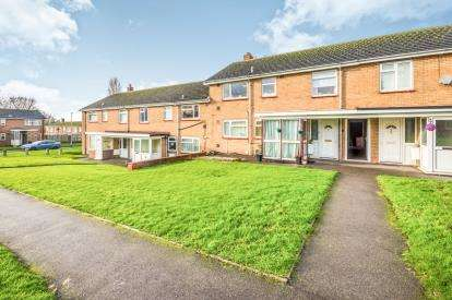 2 Bedrooms Maisonette Flat for sale in Scott Way, Chase Terrace, Burntwood, Staffordshire