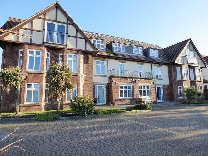 3 Bedrooms Penthouse Flat for sale in Burlington Court, Clifton Drive North, St Annes