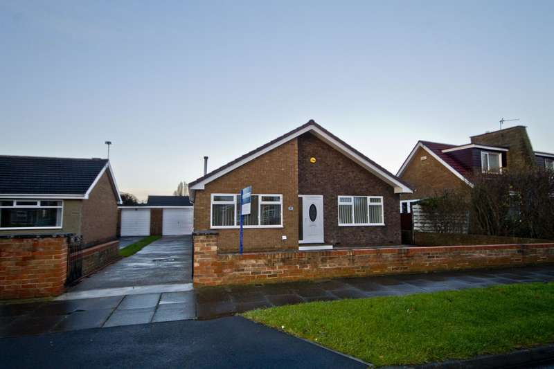 3 Bedrooms Detached Bungalow for sale in Kintyre Drive, Thornaby, Stockton-on-Tees, TS17 0HN