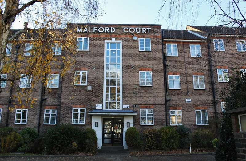 1 Bedroom Flat for sale in The Drive, South Woodford