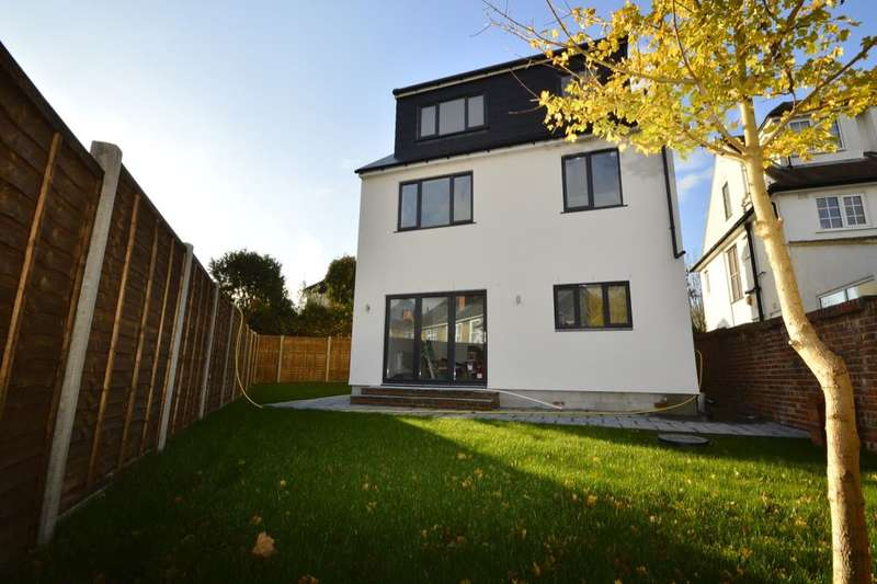 4 Bedrooms Detached House for sale in Kings Lane, Sutton, SM1