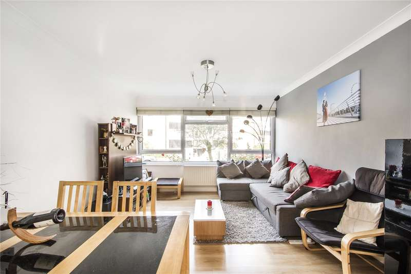 2 Bedrooms Flat for sale in Vandyke Close, London, SW15