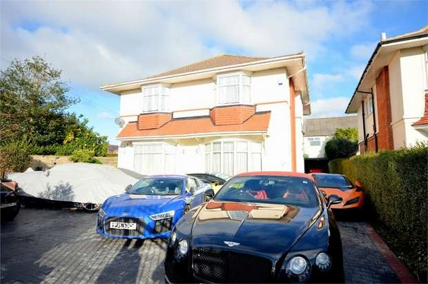 5 Bedrooms Detached House for sale in Lowther Road, East Common, Bournemouth