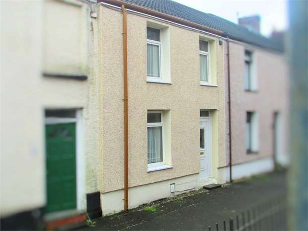 2 Bedrooms Terraced House for sale in Springfield Terrace, Neath, Neath, West Glamorgan