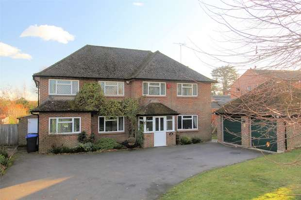 5 Bedrooms Detached House for sale in Horsell, Woking, Surrey