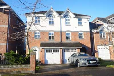 4 Bedrooms Town House for rent in Cloister Road, Heaton Mersey, SK4 3AE