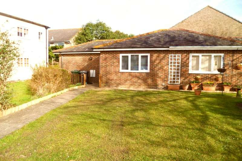1 Bedroom Semi Detached Bungalow for rent in Leigh Road, Havant, PO9