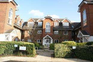 2 Bedrooms Flat for sale in Sanderstead Heights, 3 Addington Road, South Croydon, Surrey