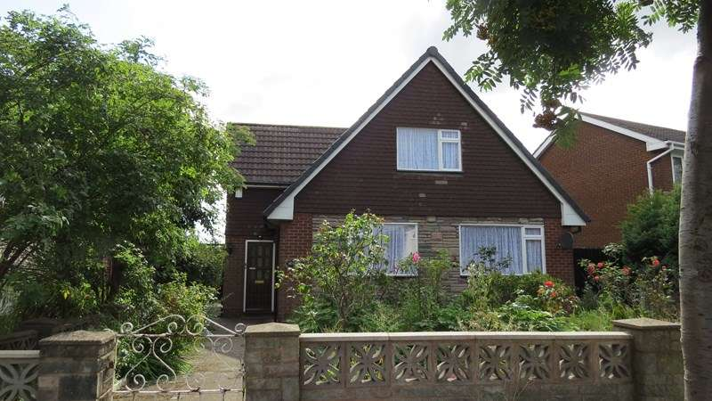 3 Bedrooms Detached House for sale in Trouse Lane, Wednesbury