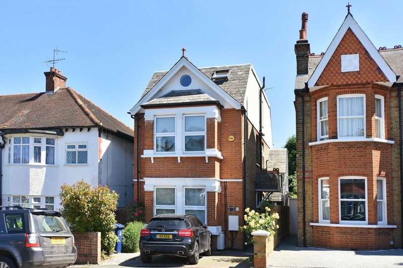 2 Bedrooms Apartment Flat for sale in Castlebar Park, Ealing