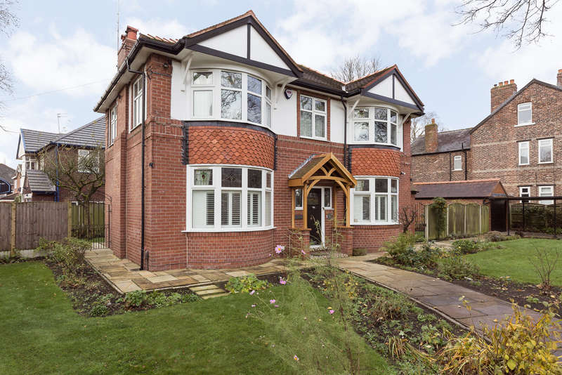 4 Bedrooms Detached House for sale in Priestnall Road, Heaton Mersey
