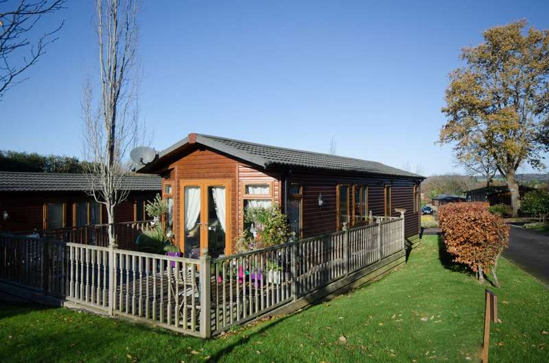 2 Bedrooms Mobile Home for sale in Woodland View, Edgeley Park, Farley Green, GU5