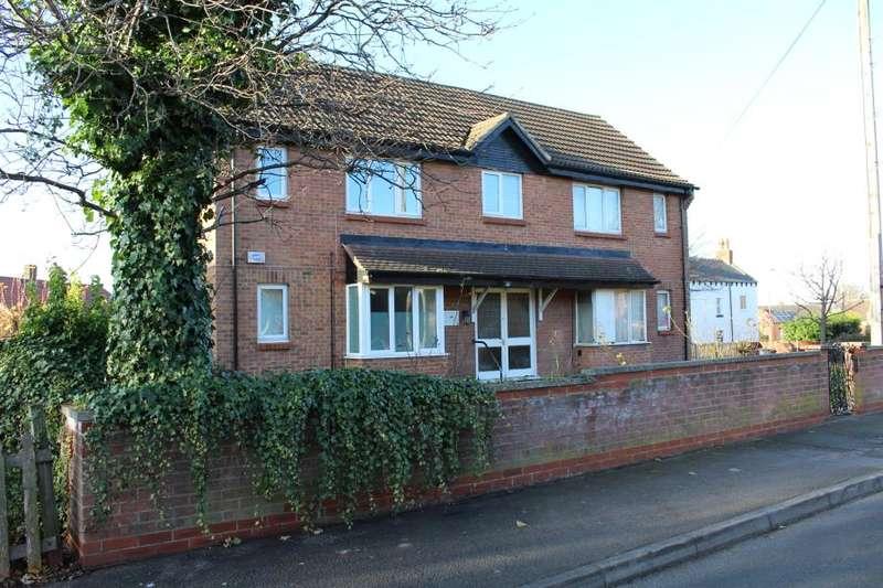 1 Bedroom Studio Flat for sale in Redhall Crescent, Beeston, LS11