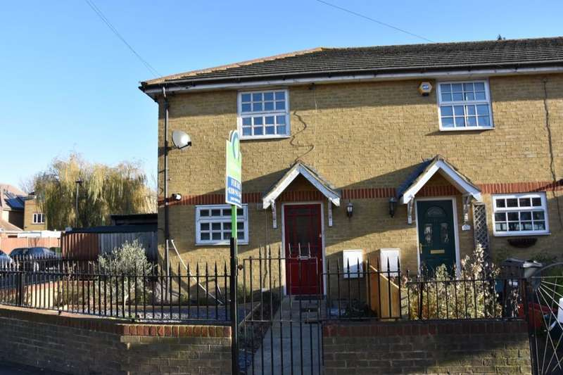 2 Bedrooms Property for sale in Hounslow Road, FELTHAM, TW13