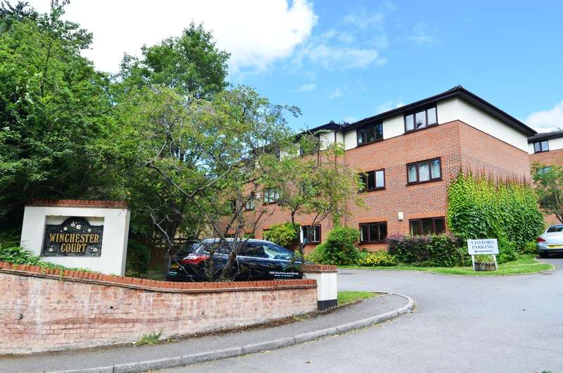 1 Bedroom Flat for rent in Winchester Court, London Road, High Wycombe, HP11