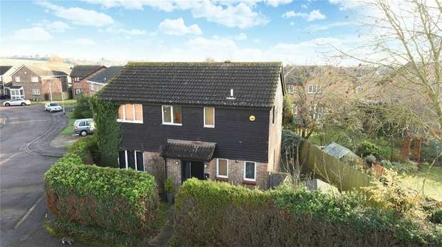 4 Bedrooms Detached House for sale in Churnet Close, Brickhill, Bedford