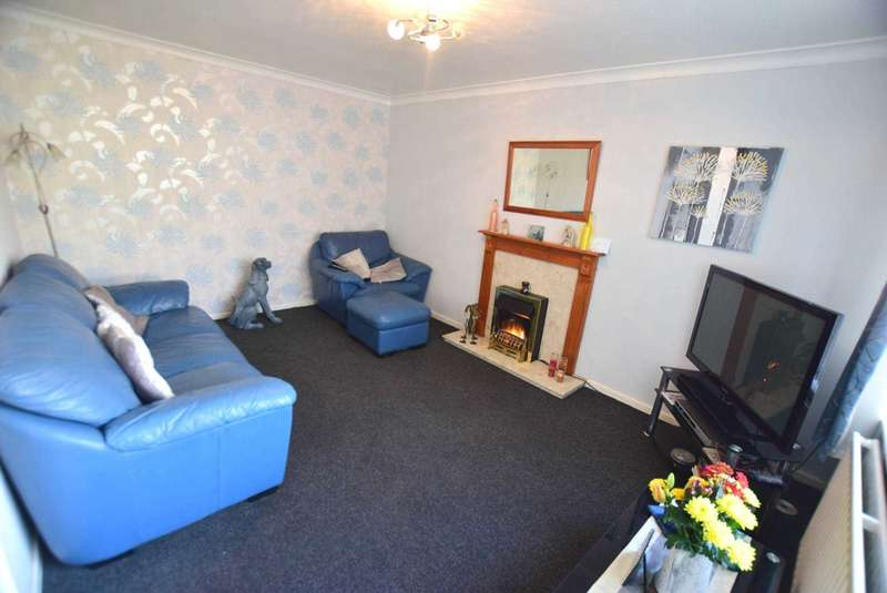 3 Bedrooms Semi Detached House for sale in Bramwell Road, Freckleton