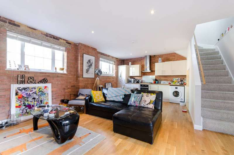 2 Bedrooms Maisonette Flat for sale in Southsea Road, Kingston, KT1