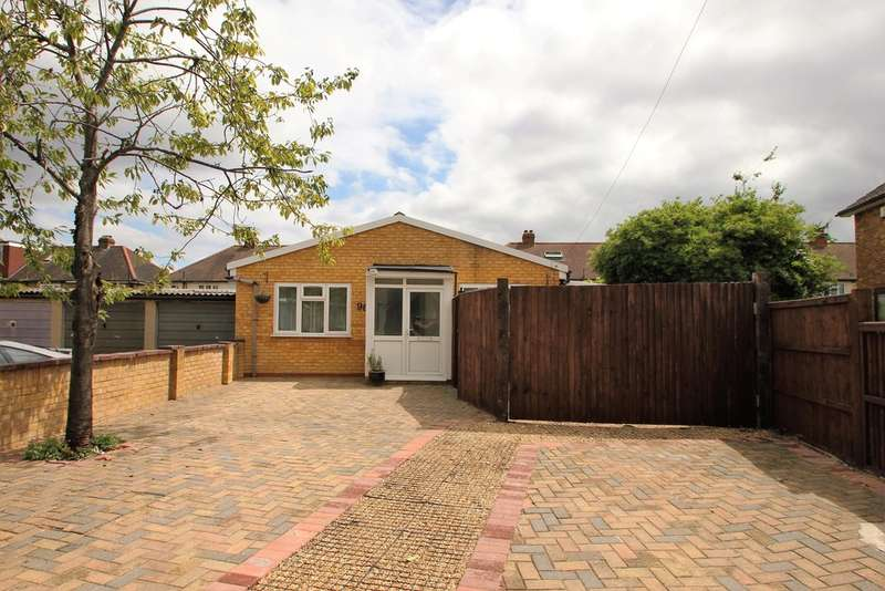 1 Bedroom Detached Bungalow for sale in Kent Way, Surbiton