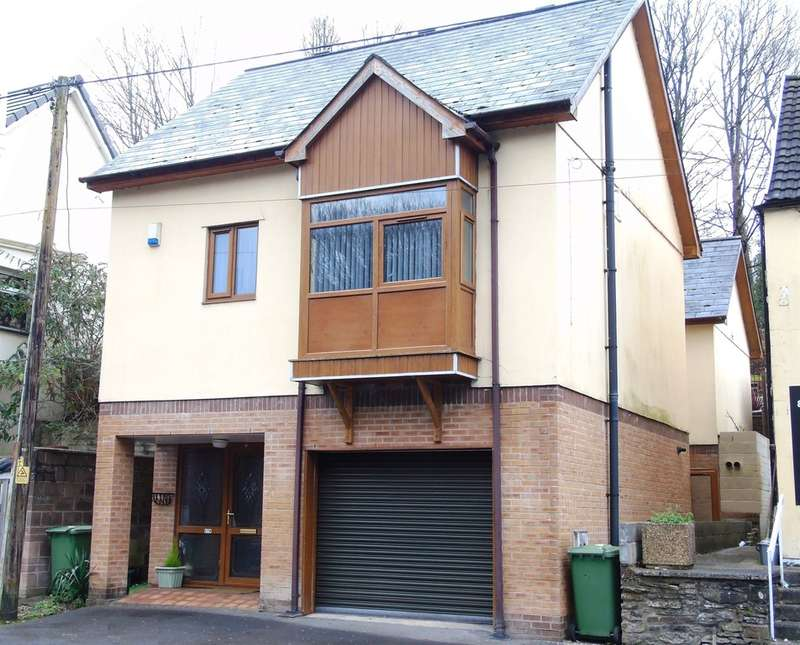 4 Bedrooms Detached House for sale in Cardiff Road, Nantgarw, Cardiff