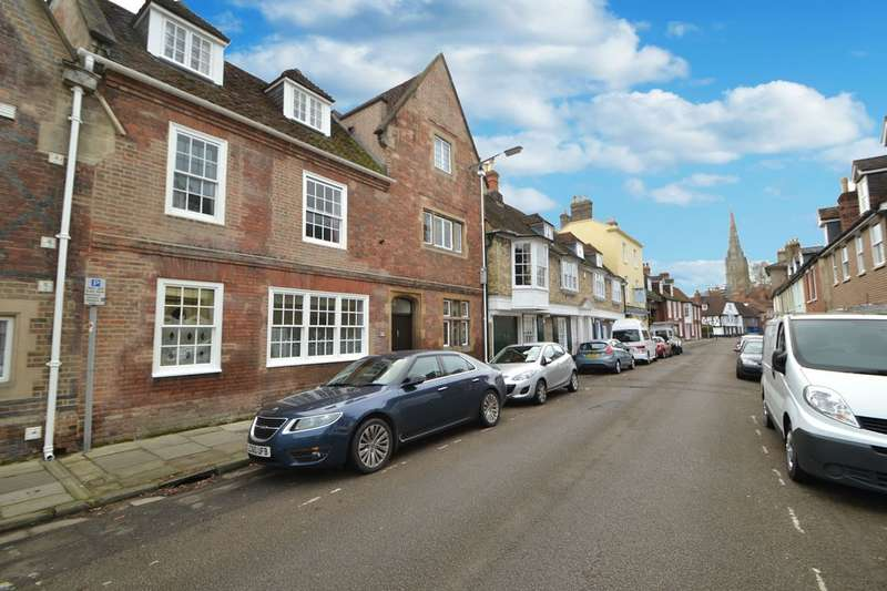 2 Bedrooms Flat for sale in Salisbury City Centre