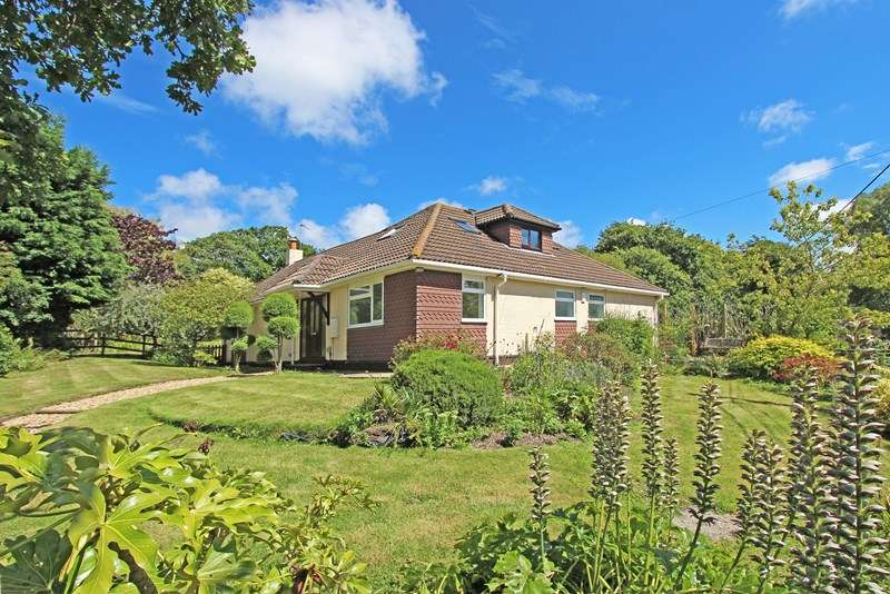 4 Bedrooms Detached House for sale in South Sway Lane, Sway, LYMINGTON