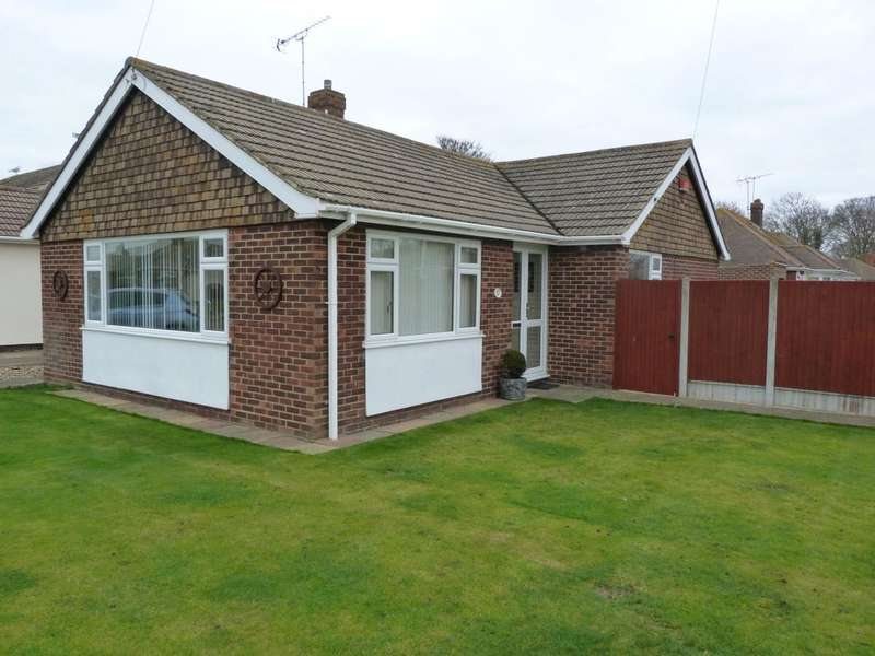 3 Bedrooms Detached Bungalow for sale in Gloucester Avenue, Broadstairs