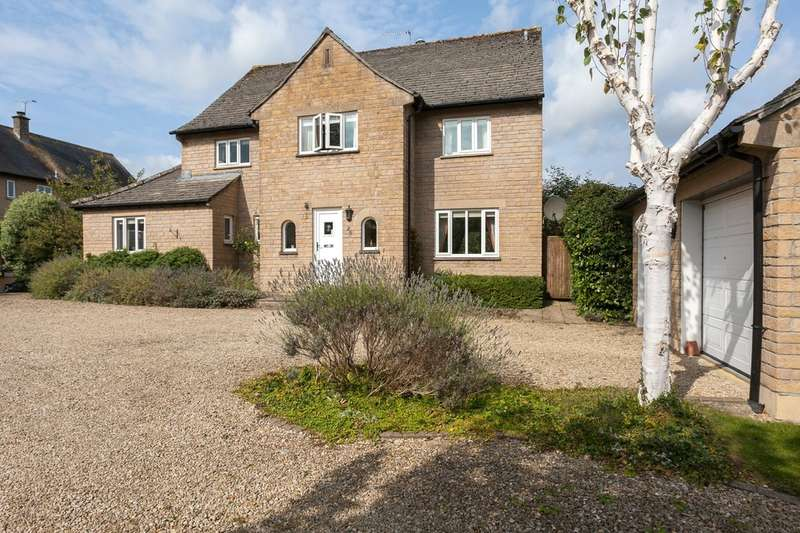 5 Bedrooms Detached House for sale in Woodlands, Corsham