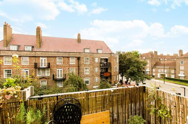 3 Bedrooms Flat for sale in Tilson Gardens, Brixton Hill, SW2