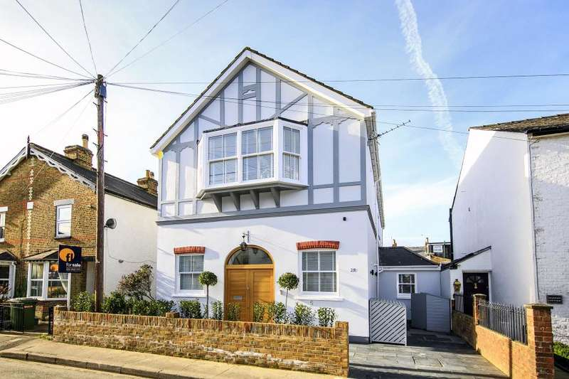 6 Bedrooms Link Detached House for rent in New Road, Ham