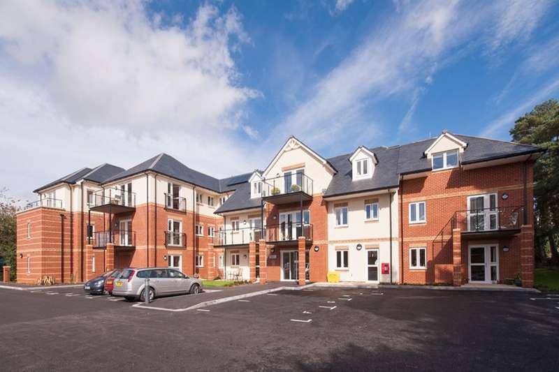 2 Bedrooms Flat for sale in Beaulieu Road, Dibden Purlieu, Southampton, SO45