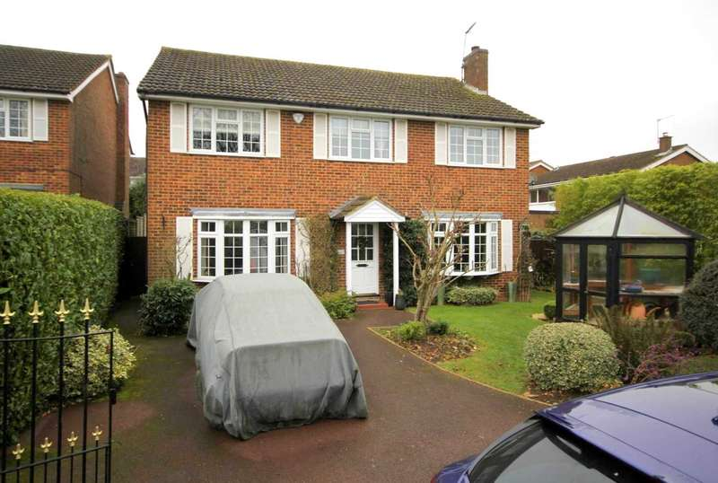 5 Bedrooms Detached House for sale in DETACHED Executive home - PRIVATE CUL-DE-SAC - Leverstock Green