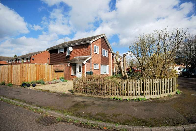 4 Bedrooms Detached House for sale in Garland Way, Aston Clinton, Aylesbury, HP22