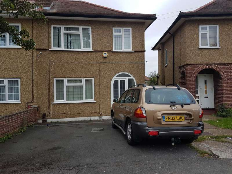 3 Bedrooms Semi Detached House for sale in > 97 Aldelphi Crecent, Hayes with converted `Annex`