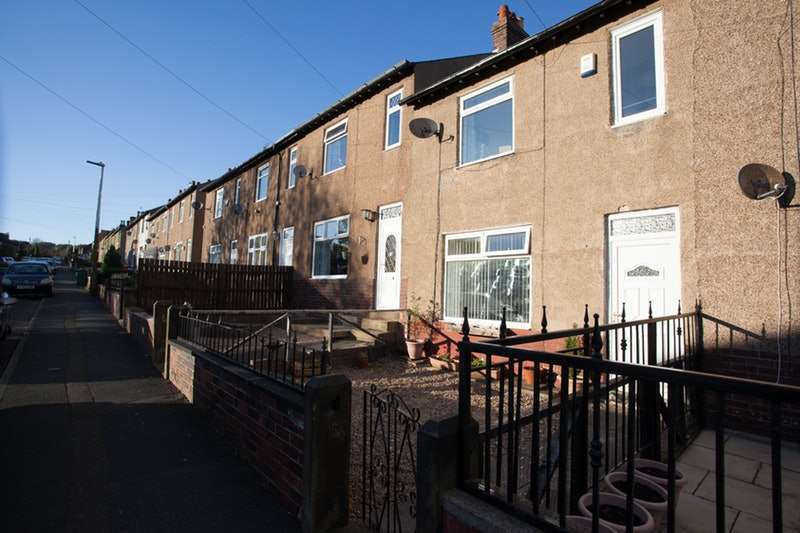 3 Bedrooms Terraced House for sale in Larch Road, Huddersfield, West Yorkshire, HD1