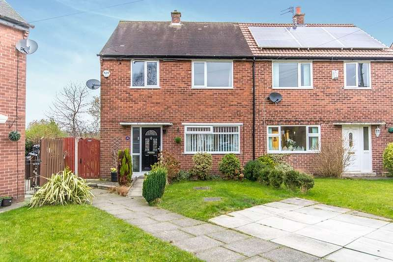 3 Bedrooms Semi Detached House for rent in Pendle Road, Denton, Manchester, M34