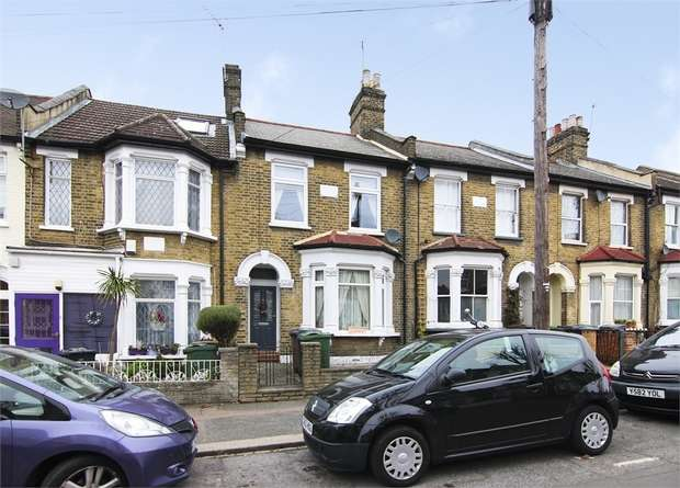 3 Bedrooms Terraced House for sale in Chestnut Avenue North, Walthamstow, London