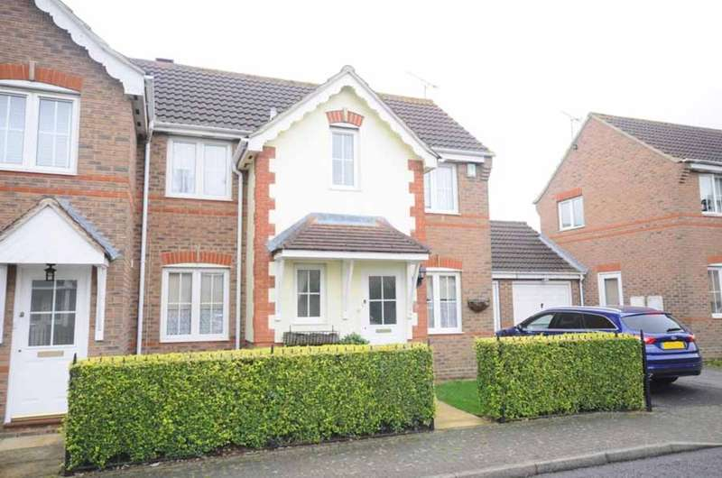 3 Bedrooms Semi Detached House for sale in Daphne Close, Great Notley, Braintree, CM77