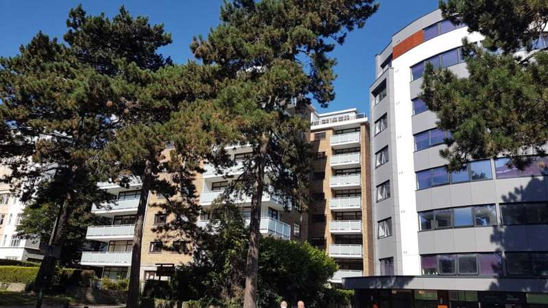 2 Bedrooms Apartment Flat for sale in Bath Road, Bournemouth