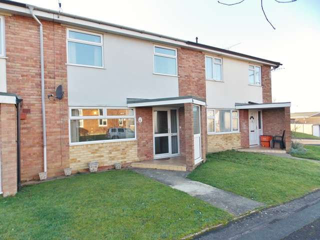 3 Bedrooms Terraced House for rent in St Andrews Close, Wroughton, Wilts, SN4 9DW