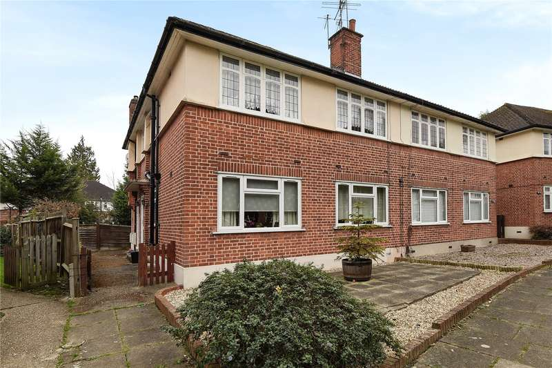 2 Bedrooms Maisonette Flat for sale in Lloyd Court, Pinner, Middlesex, HA5